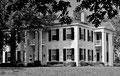 """Modèle de la maison Compson : """"Ils regardèrent, tout au bout de l'allée, la vieille maison carrée..."""" Extrait """" Le bruit et la fureur"""" de W. Faulkner."""