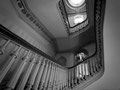 """Intérieur d'une maison victorienne à Memphis : """"La lumière qui tombait sur chaque palier...suintait l'ennui..."""" Extrait de """"Sanctuaire"""" de W. Faulkner"""