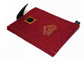 Handy Tasche in bordeaux mit gestickter Krone in gold