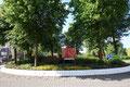 2015 Ode aan de Okouméboom. Schilderij zomer 2015 op de rotonde van ateliers 1819 Rokkeveen in Zoetermeer 120 x 180 cm.