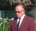 Monsieur Jean-Pierre Bouville, 1er adjoint au Maire et correspondant Défense présente le 43ème Bataillon de Transmissions d'Orléans présent lors de la cérémonie d'hommage à Jacques Bauche