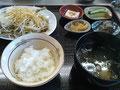 いわしをまるごと食べられるいわしから揚げ定食972円