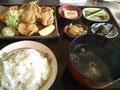 千葉の地鶏を使った地鶏から揚げ定食972円