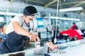 découpe housse de protection en tissu pour robot industriel