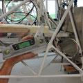 Mit einem  Digitalwinkel Messgerät werden die Ruder genau eingestellt