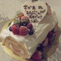 ロールケーキでバースデー