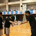 2位(左京山中学校)への賞状授与