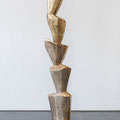 Rosenmontagsstele - 2015 - Bronze - 182 (h) x 35 (b) x 32 (t)  cm - Ansicht 1