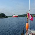 Big cruising ship nearing with 20kn in the narrow Karmsund