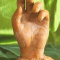 première main sculpture argile