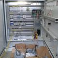 Schützsteuerung und Mikroprozessorgesteuertes Bedienfeld mit Relaiskarte
