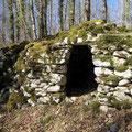 Un orri : cabane en pierre sèche