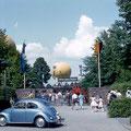 Ballontaufe im 7. Juni 1959 - Es wurden 3 Ballons gefüllt. Die Haltemannschaft bestand aus F&S Lehrlingen; einer war so vorwitzig, dass er mit einer Gasvergiftung ins Krankenhaus musste.