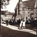 Der Markt mit dem Rathaus