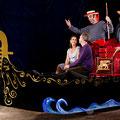 Venezianische Gondolieri mit fahrbarer Gondel. Ein musikalischer Drive-Act für in- und outdoor.