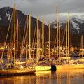 Le port d'Ushuaia au coucher du soleil