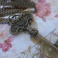 C024 Collar largo llave. Largo aprox. cadena 80 cm