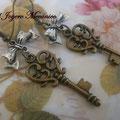 PLL012 Lazo plateado y llave bronce, 6,5cm