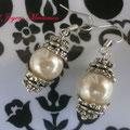 PP002 Pendientes perlas y metal. Largo aprox. 4cm. 2,00 euros