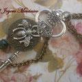 C046 collar llave 8,5cm, reloj y abeja, 2 cadenas, largo 85cm aprox