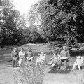 in den 1940er Jahren  |    Besuch im Park