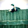 Mit Schwund muss man rechnen! Christoph hängt überm Zaun