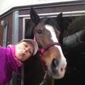 """Shayga mit ihrem """"Ausgeh""""-Halfter und ich mit dem pinken Sternchen-Loop ;-)"""