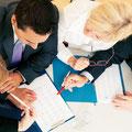 Durch ein Team von spezialisierten Anwälten können wir in jedem Gebiet überdurchschnittliche Leistungen erbringen.