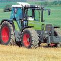 Fendt Farmer 312 mit Auspuff am Kabinenholm (Quelle: AGCO Fendt)