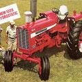 IHC Farmall 1026 Hydro Traktor (Quelle: Hersteller)