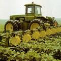 John Deere 8450 Knicklenker Traktor (Quelle: John Deere)