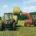 Kubota M8580 Allradtraktor mit Frontlader (Quelle: Kubota)