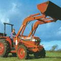 Kubota L4150 Allradtraktor mit Frontlader (Quelle: Kubota)