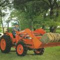 Kubota L4850 Allradtraktor mit Frontlader (Quelle: Kubota)