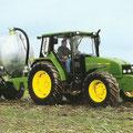 John Deere 3410 Traktor auf Basis des Renault Cerés (Quelle: John Deere)