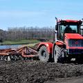 Kirovets K-525 Knicklenker Traktor (Quelle: Kirovets)