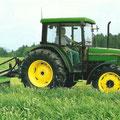 John Deere 5400 Allradtraktor (Quelle: John Deere)