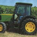 John Deere 5215V Schmalspurtraktor (Quelle: John Deere)