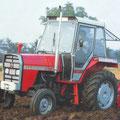 IMT 569 Traktor mit Kabine (Quelle: Hersteller)