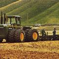 John Deere 8850 Knicklenker Traktor (Quelle: John Deere)
