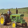 John Deere 2120 Traktor (Quelle: John Deere)