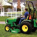 John Deere 2720 Traktor (Quelle: John Deere)