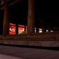千畳閣から垣間見える朱塗りの五重塔 【撮影:2010.10.16】
