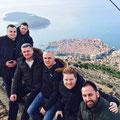 """Gruppenbild auf dem Berg """"Srd"""" auf der Festung """"Imperial"""" über Dubrovnik"""