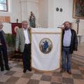 Neu restaurierte Kirchenfahne Rückseite Jesus lehrt den Kindern