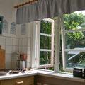 Amrum - Kochen in der Küche der Ferienwohnung