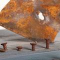 """Wo andere Urlaub machen"" (Ausschnitt) | Holz, Metall, Nägel | Foto S. Keller"