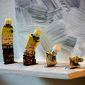 """Evolution""  |  Farbtuben, Holz | 27 x 22 cm"