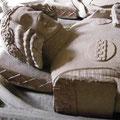 Ailettes: Epitaph Eberhard I von der Mark, Fröndenberg (1308) [Foto von Graham Field www.themcs.org ]
