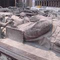 Ailettes: Hochgrab Heinrich des Jüngeren, Marburg (1298) [Foto von Andrej Pfeiffer-Perkuhn www.geschichtsfenster.de ]
